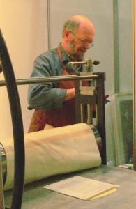 Image du graveur au travail